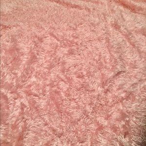 Faux fur pink blanket fit for a princess